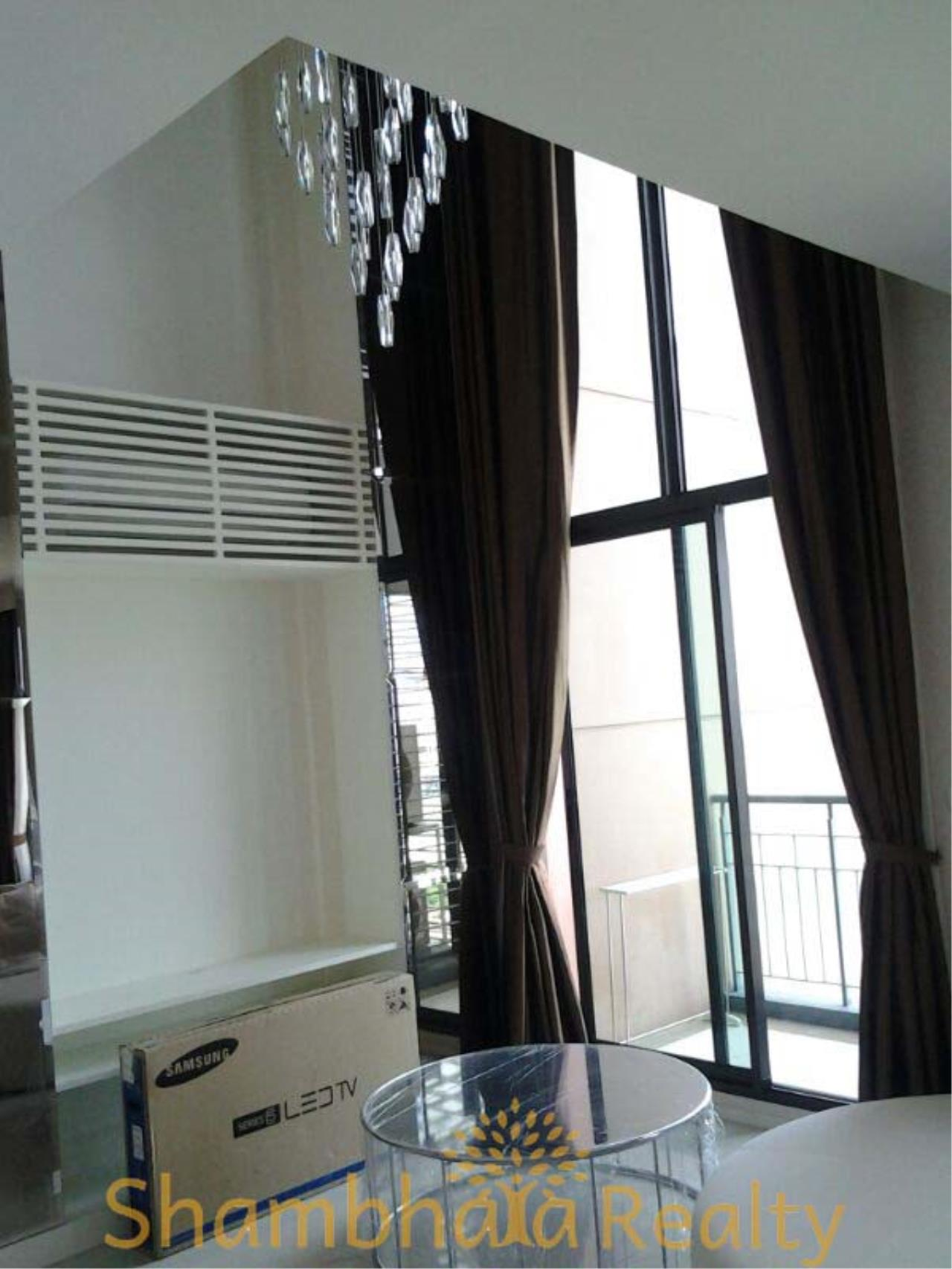 Shambhala Realty Agency's Villa Asoke Condominium for Rent in Petchaburi 1
